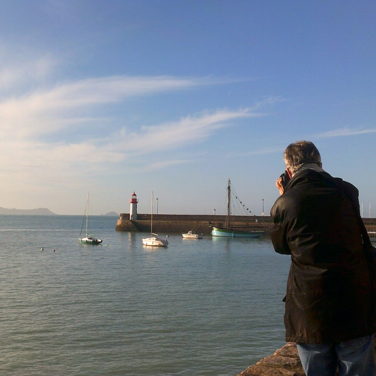Frenchman photographs a lighthouse on a miraculously, beautiful day.